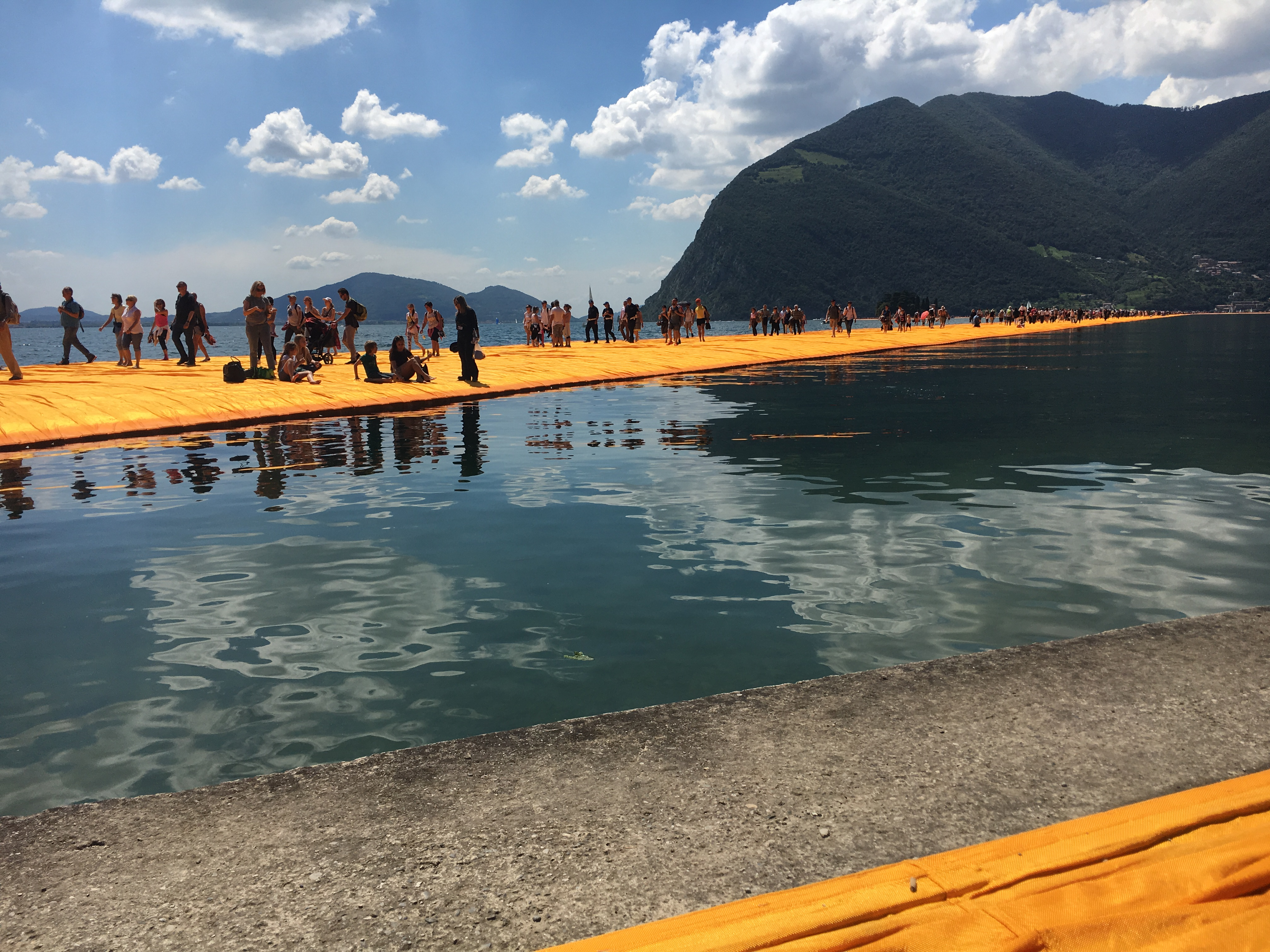 The floating piers – camminiamo sulle acque –
