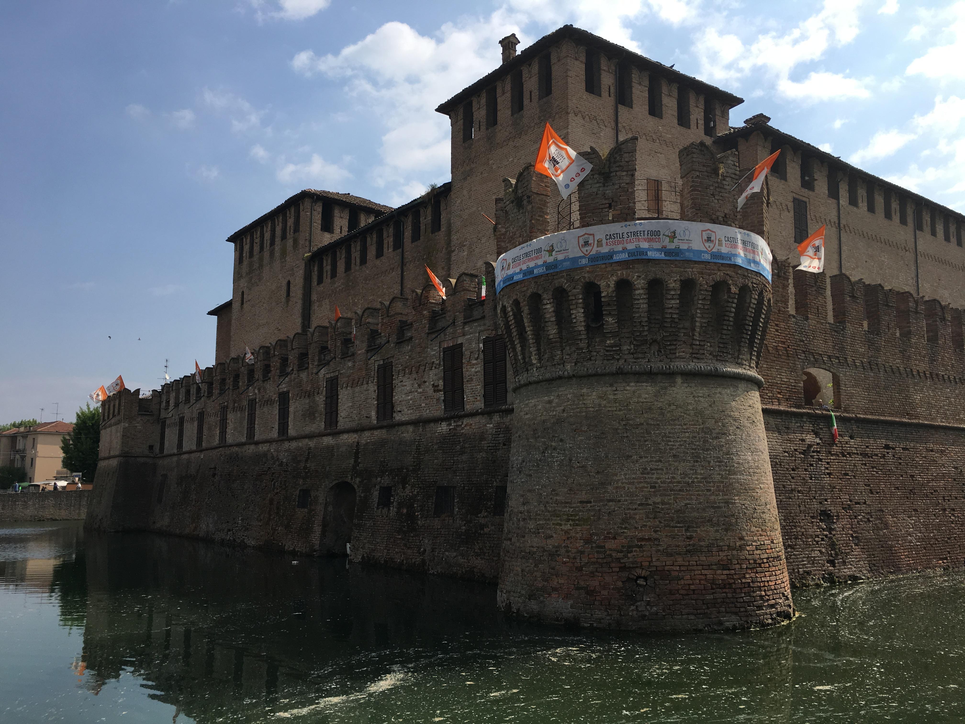 Una camera ottica e magiche visite per bambini al Castello di Fontanellato