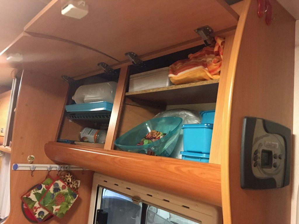 Organizzare Interno Mobili Cucina organizzare lo spazio in camper - mamma in viaggio