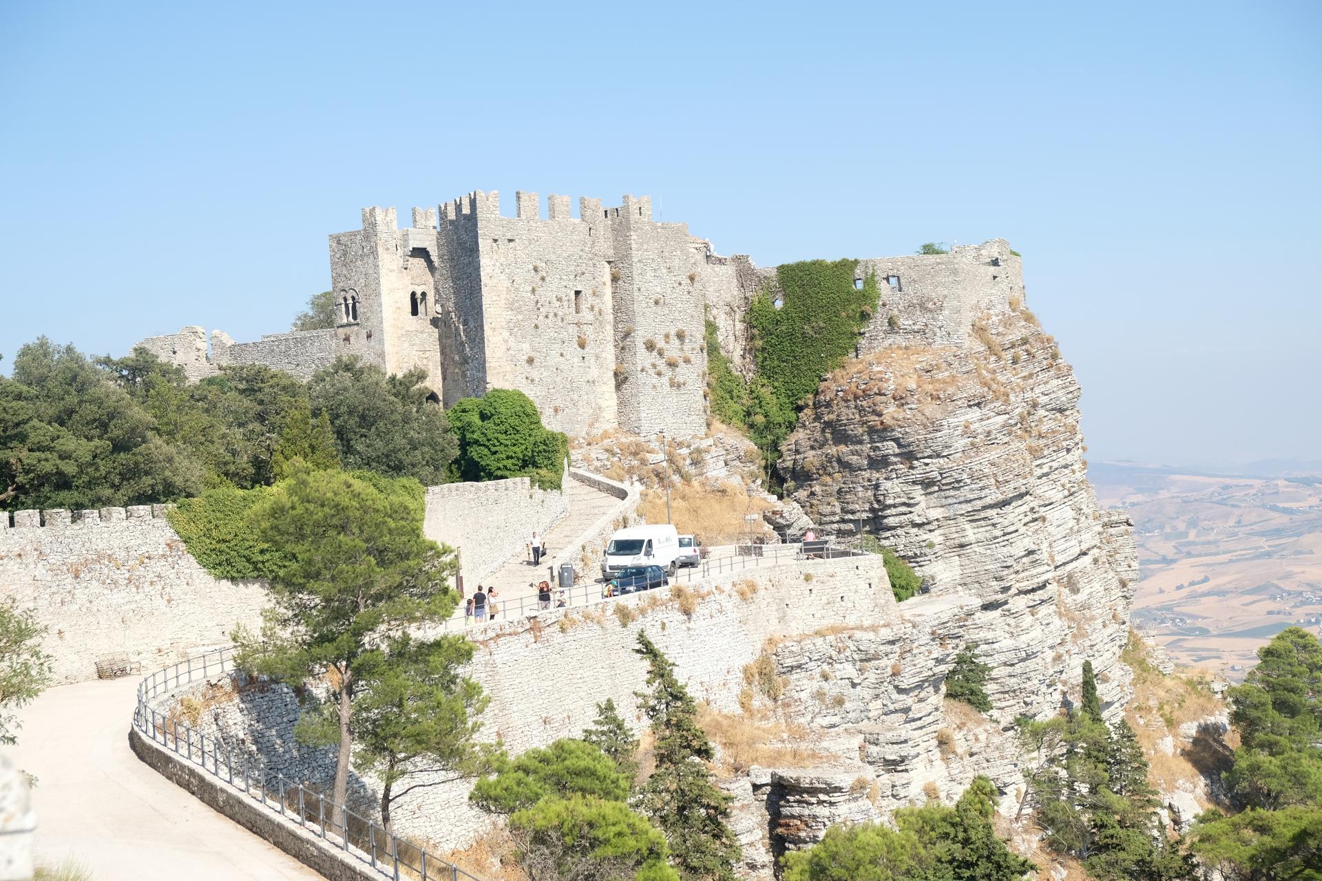 Erice, un borgo ed un castello
