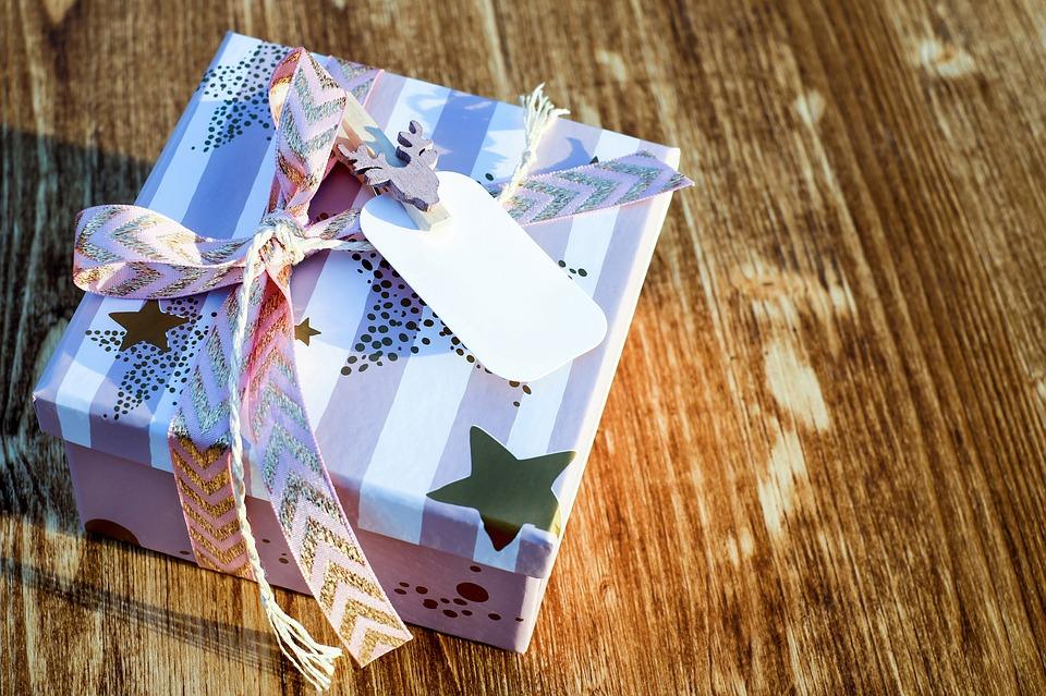 Idee Regalo Natale Viaggi.10 Idee Regalo Per Papa E Mamme Camperisti E Non Mamma In Viaggio