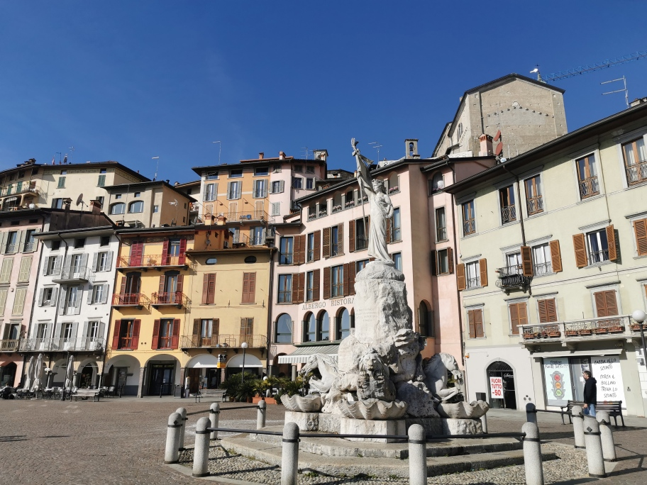 Lovere Piazza