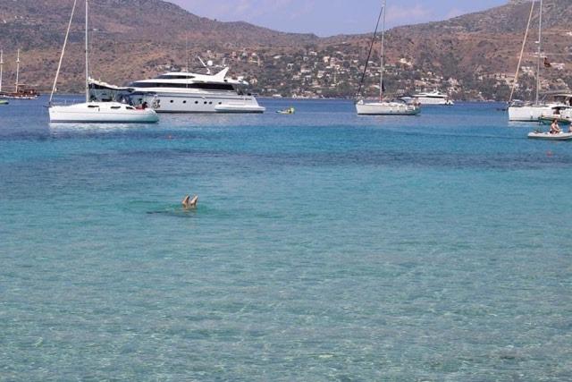Egina Grecia mare barche