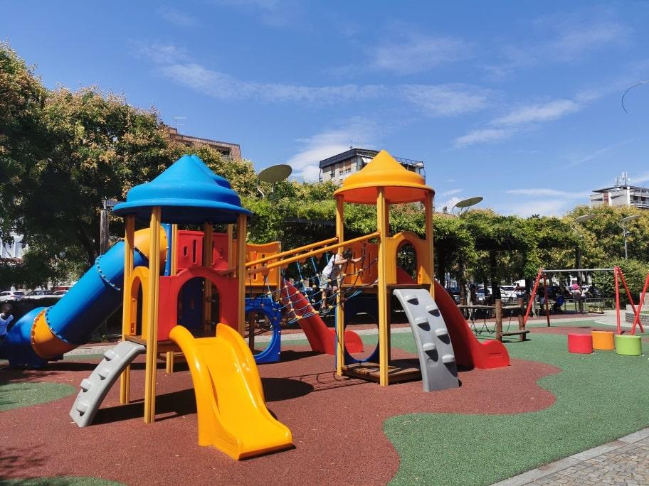 Lungolago Arona parco giochi